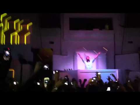 Dash Berlin DJ Ease my Apollo Road (Dashup) LIVE @ Guatemala City 2012