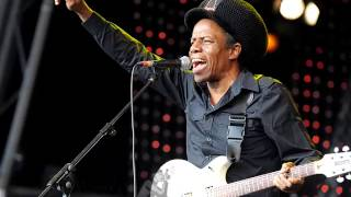 Eddy Grant - Living On The Frontline (F)