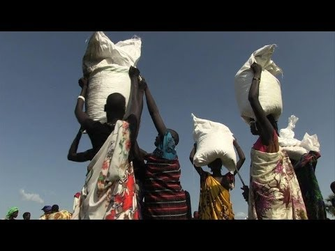 Red cross begins air drops in South Sudan