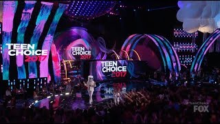 Marshmello and Bella Thorne Present at Teen Choice Awards 2017 - Logan Paul Liza Koshy Fifth Harmony