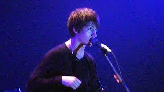 Baixar HD Arctic Monkeys in 2007: Fluorescent Adolescent [Live at Melkweg Max, Amsterdam, 10-03-2007]