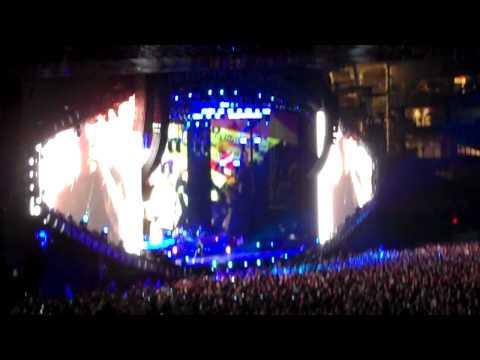 Stan - Eminem (Live at Yankee Stadium)