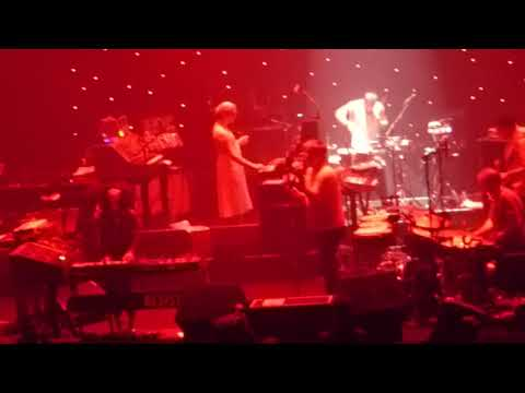 LCD Soundsystem - Daft Punk is playing in my house (live@Olympia, Paris)