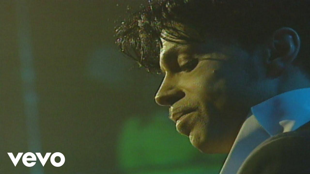 Download Prince - Sometimes It Snows In April (Live At Webster Hall - April 20, 2004)