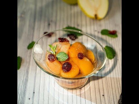 Salată caldă de fructe