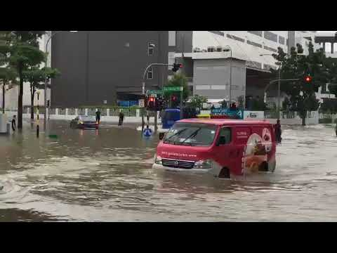 Flooding at Upper Changi and Bedok North Ave 4