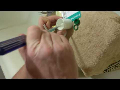 Заделка скола на ванне, подбор цвета и полировка.