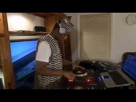 D.J SOKOLOKO MIXING AFRICAN MUSIC ,,MOV 3