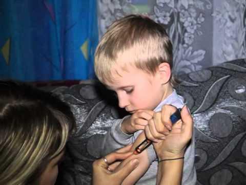 В Серове маленькому Тимофею ставят уколы инсулина в кромешной темноте