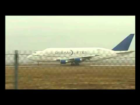 Boeing B747-Dreamlifter ultra short take off from Jabara! (Must see!)