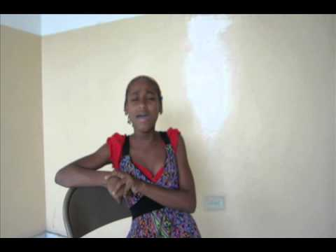 Singing girl in Haiti sounds just like Rihanna