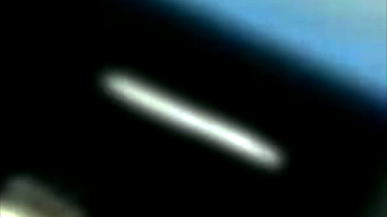 AMAZING! HUGE CIGAR UFO SIGHTING AT ISS MARCH 2013