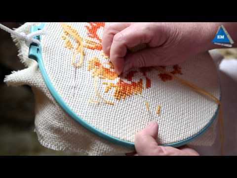 Как закрепить нить в конце  вышивки крестом