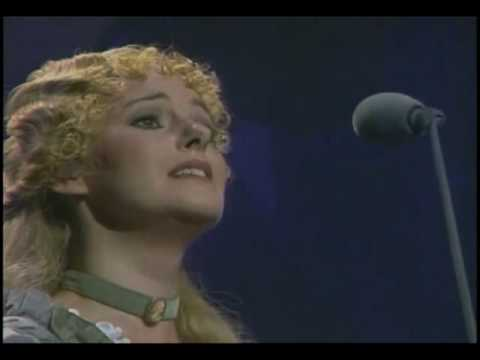 RUTHIE HENSHALL as Fantine - I Dreamed a Dream (As Good As It Gets!)