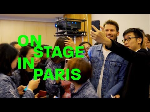 JASON DUNDAS IS ON STAGE IN PARIS  making it