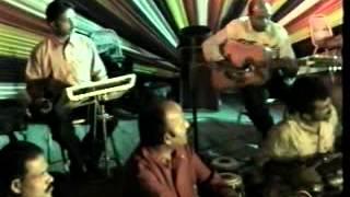 Watch chand kano asana amar gare karaoe karaoke video free
