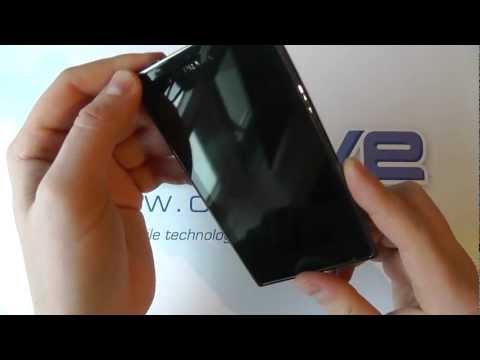 Prada Phone by LG 3.0 (LG-P940) Android Smartphone Unboxing