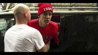 Justin Bieber pelea con Paparazzi en LONDON 2013 (Traducción al Español)