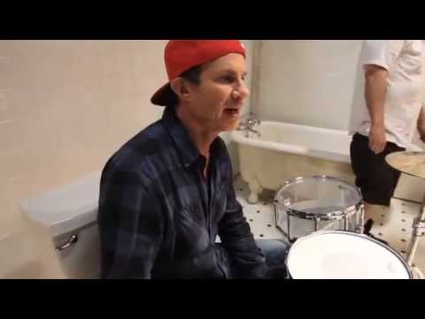 Red Hot Chili Peppers - Look Around [Behind The Scenes Of The Interactive Video] 3 Thumbnail image