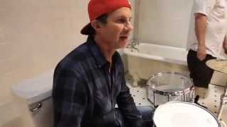 Red Hot Chili Peppers Look Around Behind The Scenes Of The Interactive Video 3