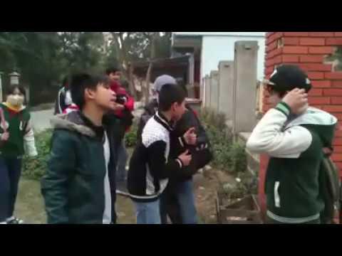 Học sinh trường THCS Thị Trấn Cẩm Giàng- Hải Dương đánh nhau vỡ đầu chẻ máu