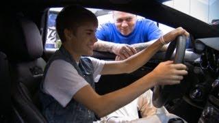 Street Customs : Justin Bieber