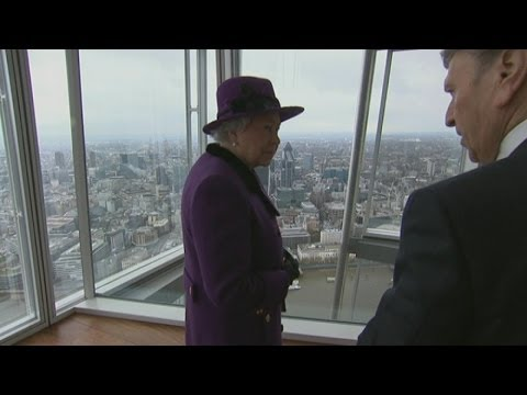 The Queen goes up The Shard to look at London