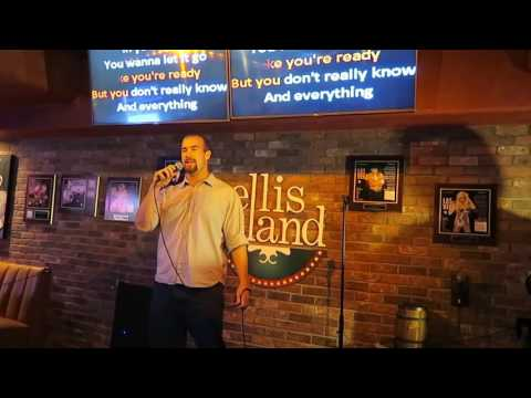 Las Vegas Vlog: Me singing karaoke at Ellis Island Casino