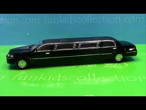 Ford Lincoln Town Car Stretch Celebrity Limousine Black Die Cast Car Scale 1:24