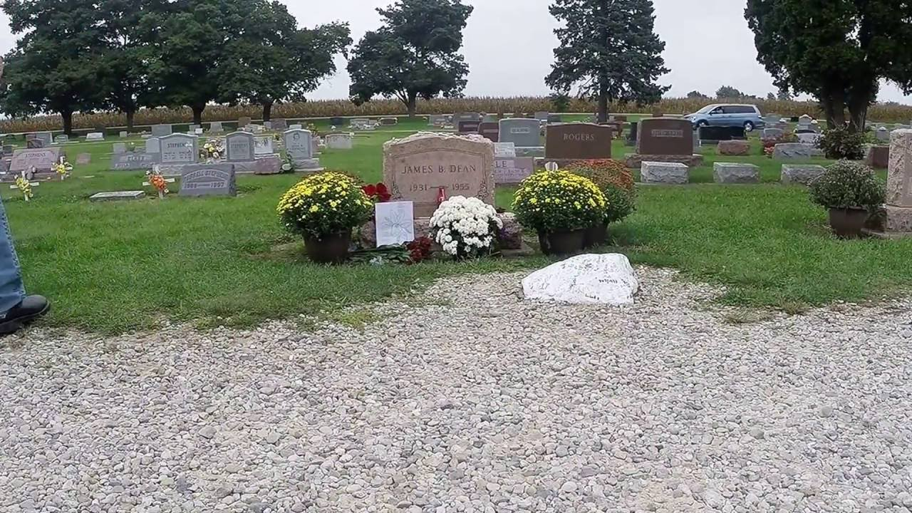 James Dean headstone - YouTube