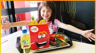Learn Colors for Toddlers w/ McDonalds Happy Meal, Chicken Nuggets & McSalad, Learn Colors for Kids