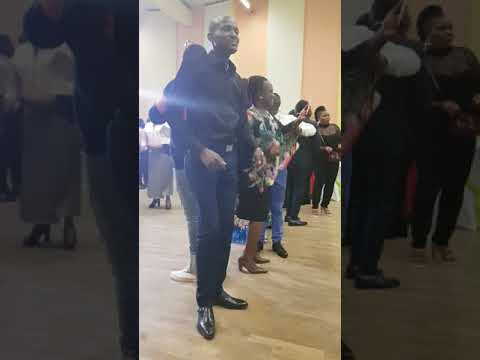 Challenge vimba de Zaiko langa langa dans une (fête d'anniversaire )