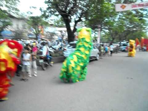 đoàn lân sư rồng Bạch Ngọc Đường - Huế 0909.309446 ( Festival Huế 2011 ) part 2