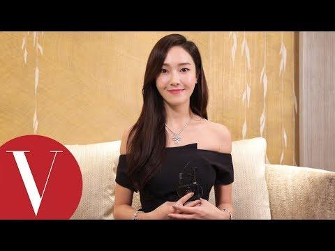 自帶女神光!貼身了解Jessica鄭秀妍的飾品時尚
