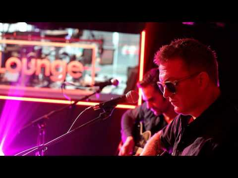 Queens Of The Stone Age - The Vampyre Of Time And Memory (BBC 6 Music Session 2013)