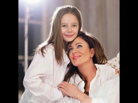 Юлия Началова как живет ее дочь и кому досталась 4 х комнатная квартира певицы в центре Москвы