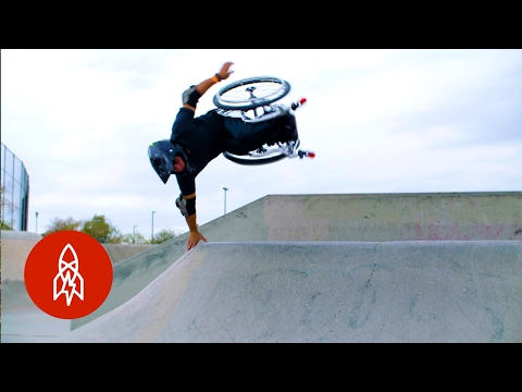 sportourism.id - Aksi-Ekstrem-Aaron-Wheelz-dengan-Kursi-Roda
