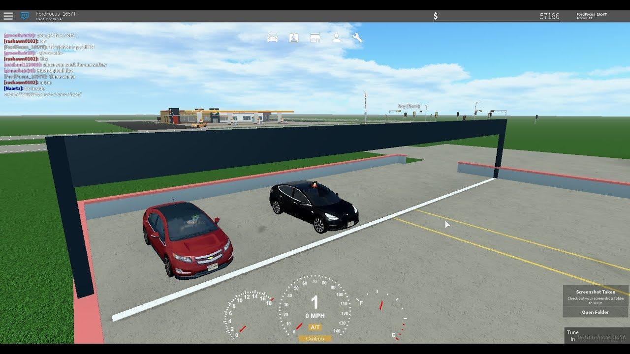 Roblox Greenville: Tesla Model 3 VS Chevrolet Volt, Electric Car Drag Race!