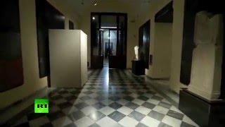 В Риме обнаженные античные статуи скрыли от глаз перед визитом президента Ирана(В Капитолийском музее, где выступал президент Ирана Хасан Роухани, наготу античных статуй скрыли под белым..., 2016-01-27T09:01:41.000Z)