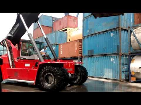 KALMAR in Action @Port Of Tanjung Priok Jakarta