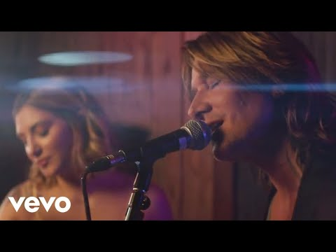 Keith Urban  Coming Home ft Julia Michaels