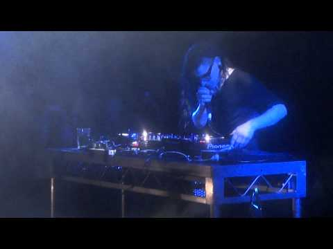 Skrillex - Cinema (Remix) Live @ Villa Nightclub In Perth, Australia 2012