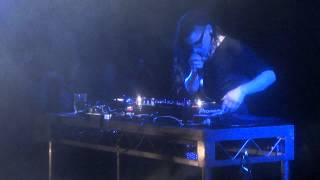 Скачать Skrillex Cinema Remix Live Villa Nightclub In Perth Australia 2012