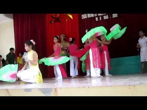 Thiếu Nhi Múa Quạt Xóm Xuân Lâm - Hùng Tiến - Nam Đàn - Nghệ An