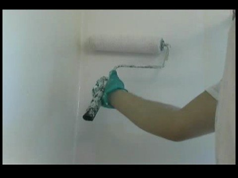 How to Paint a Bathroom : Bathroom Painting: Rolling Walls