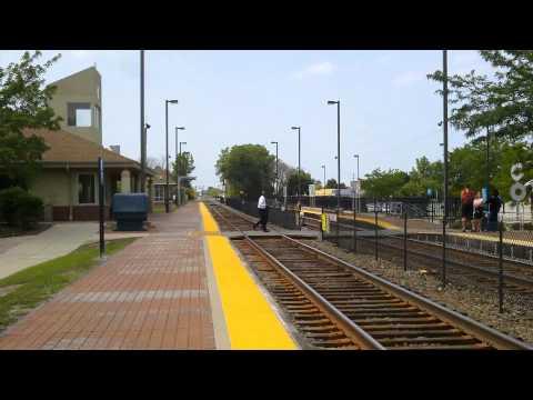 Wheeling, IL Metra Station Railfanning W/ Station Tour - 7-18-14