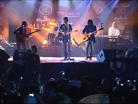 Medley Part 1 - Ali Zafar Live in Concert at Royal Rodale Club