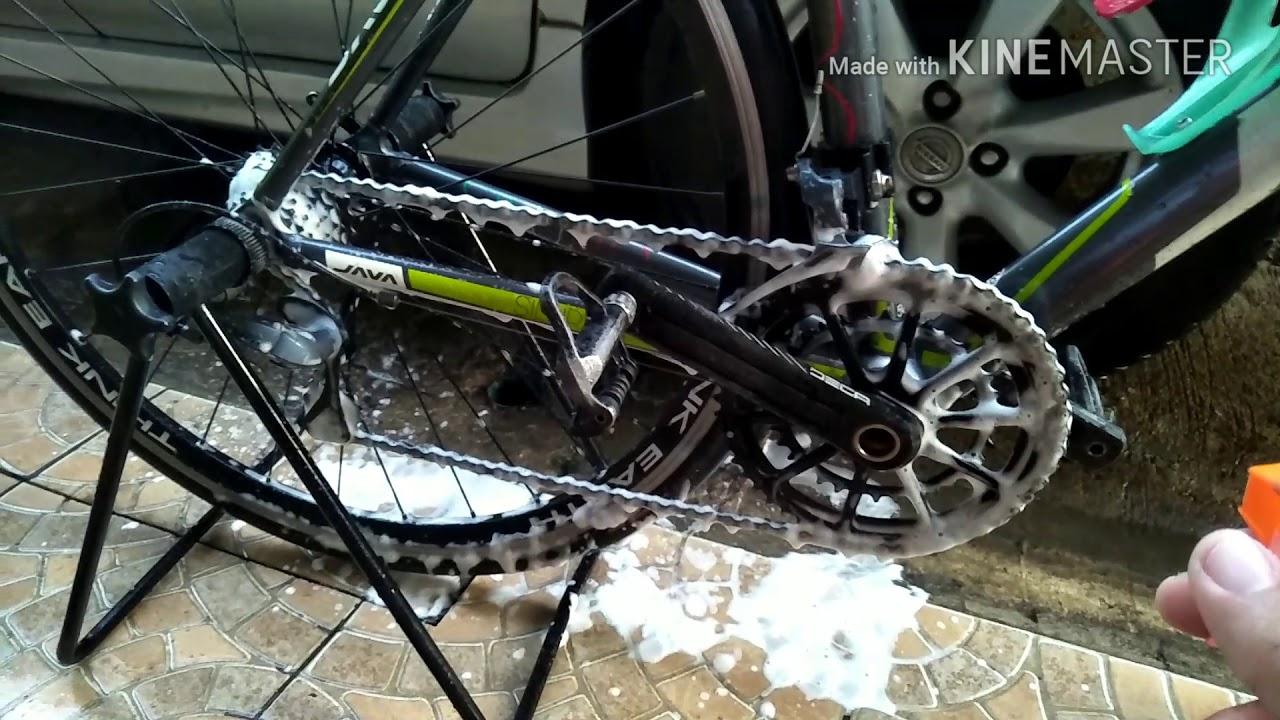 ล้างโซ่จักรยานด้วยน้ำยาล้างสุขภัณฑ์