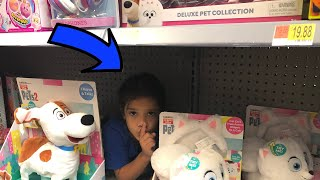 Sam and Abby play Hide and Seek in Store