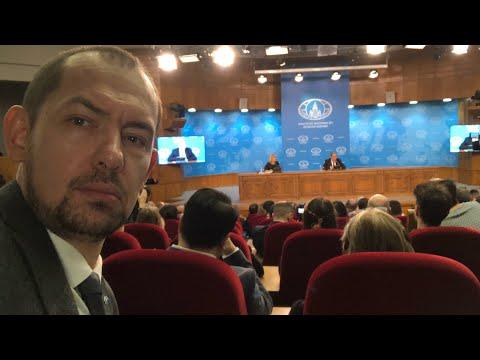 Кто лучше и веселее: пресс-конференция Путина или Лаврова